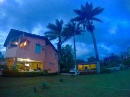 Casa Linda e Espaçosa em Salinas, Localizada na Tv. Iracema