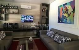 Alto Padrão_Casa Em Condomínio| 328m²| 5 Suítes| 3 Vagas De Garagem