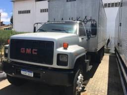 Caminhão Baú- Vendo ou troco em ônibus ou recebo carro de passeio até 10.000 - 1998