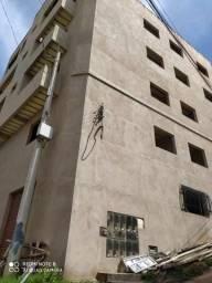 Prédio c/ 07 apartamentos