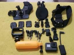 GoPro Hero 5 Black + diversos acessórios
