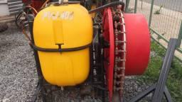 Pulverizador Lavrale 400 litros 2011