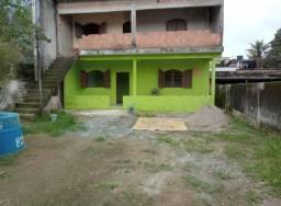 Vendo 2 casas no mesmo quintal em Angra dos Reis RJ.