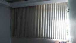 Persianas verticais