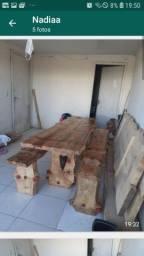 Vendo mesa rústica de Pinheiro brasileiro