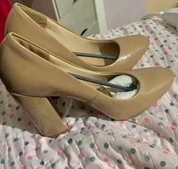 Sapato scarpin nunca usado