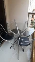 Mesa redonda de vidro + 6 cadeiras
