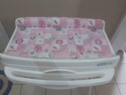 Banheira de bebê com suporte