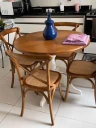 Mesa maciça com 4 cadeiras Catrina assento em palha