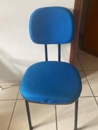 Título do anúncio: Cadeira azul