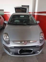 Título do anúncio: Carro Punto 1.6 essence 2014 semi novo