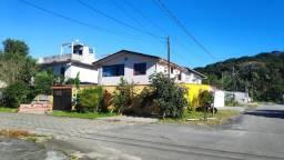 Casa Duplex com 182 m2 Construídos à Venda na Área Central de Matinhos/PR