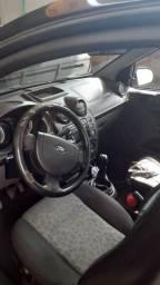 Fiesta sedan 11/12 valor 15.500