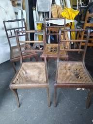 Título do anúncio: Cadeiras antigas