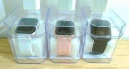 Smartwatch com fonte de brinde