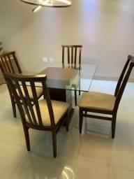 Título do anúncio: Mesa 4 cadeiras - muito conservada