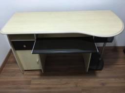 Mesa para computador seminova