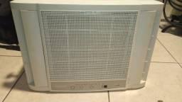 Ar condicionado de janela Consul, digital, 10 mil BTUs, 127V