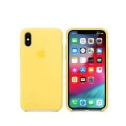 Capa Capinha Case Silicone iPhone X e Xs Aveludada Cor Amarela