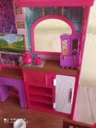 Título do anúncio: Casa fazenda Barbie acompanha boneca