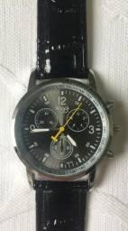 Relógio Sloggi Analógico com Pulseira de Couro Preto Produto Novo