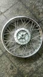 Roda raiada dianteira e traseira da 150