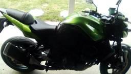 Vendo ou troco por carros e motos - 2012