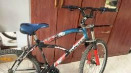 Bicicleta aro 26, 18 marchas, freio a disco dianteiro