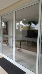Vendo, 2 porta de correr de vidro, enquadramento: 2.27x2.14