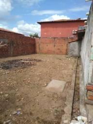 Casa com terreno de 20 x 20 no Saci, prox. ao Hospital