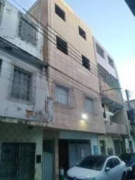 Aluga-se casa Térreo Cidade baixa frente de rua dois quartos