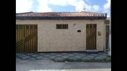 Casa linda reformada no conjunto albano franco