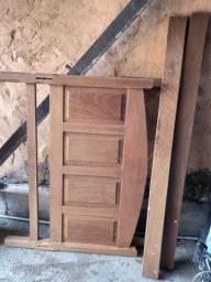 Cama de casal de madeira (cerejeira)