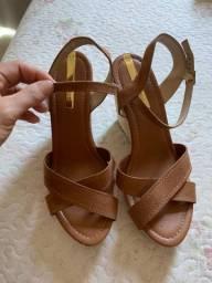 Sandália salto anabela tamanho 39 (calça 38)