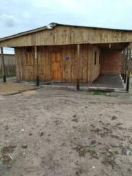 Casa com 3 quartos  casa com 10x12 em Balneário Pinhal