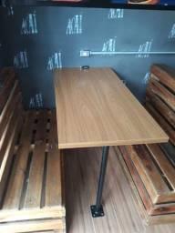 Bancos booth 4 jogos + 3 mesas de madeira