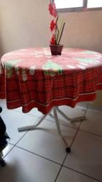 Mesa de cozinha redonda usada