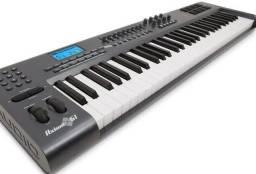 Controlador M-AUDIO Axiom61 apenas R$ 1.600,00 ??