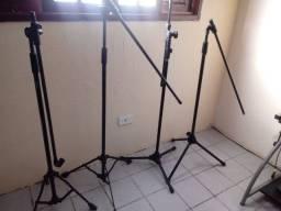 Pedestal Suporte Metálico Para 1 Microfone Tripé