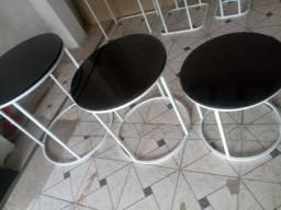 Conjunto de mesas para festas