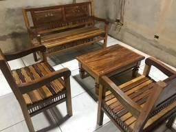 jogo de bancos e mesa rústica