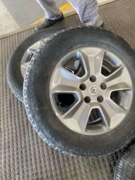 Vda/Trc 2 pneus aro16, Duster/Oroch