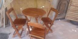 Jogo de mesa dobrável em madeira