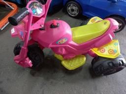Moto elétrica  xt Rosa Bandeirante