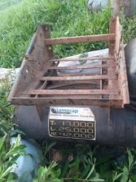 Caixa de bateria e  Bujão de ar do mb