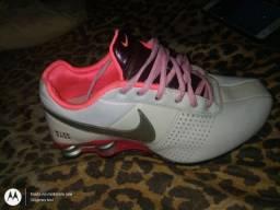 Nike Shox 37