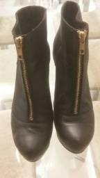 Vendo bota  usada uma vez só , toda couro legítimo