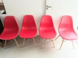 Cadeiras Charles eames Eiffel seminovas