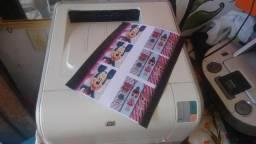 Impressora laser colorida