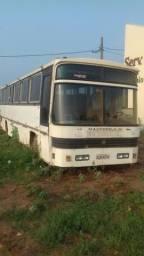 Ônibus Rodoviário 1979 para retirada de peças